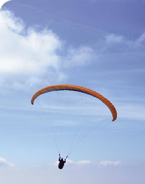 Parapente 10 cielos - Playa Famara - Bes Magazine Nº22 / Fotos: PROMOTUR