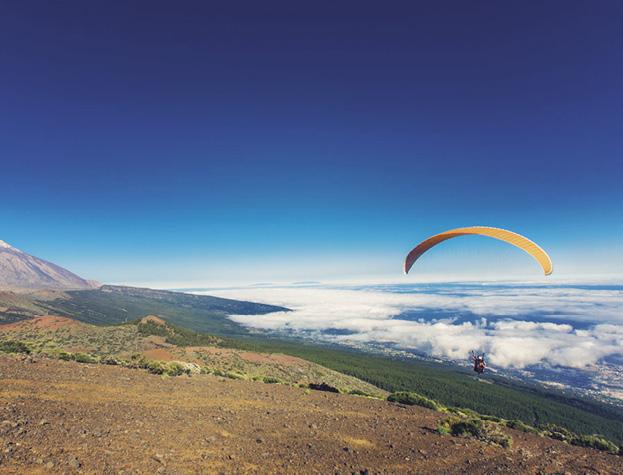 Parapente en Tenerife - Bes Magazine Nº22 / Fotos: PROMOTUR