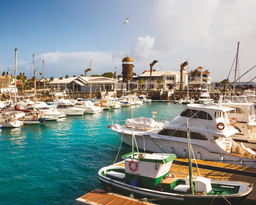 10 puertos deportivo / Puerto Deportivo El Castillo | José Juan Torres de Leóna